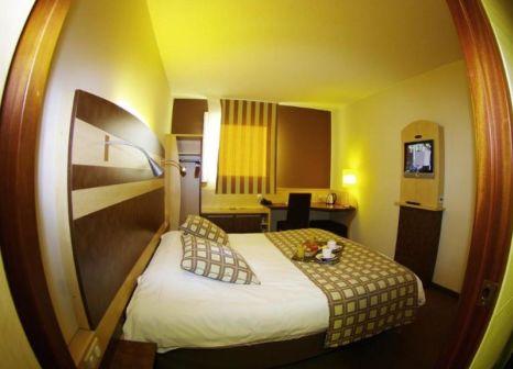 Hotelzimmer mit Pool im Kyriad Prestige Montpellier Ouest-Croix D`Argent