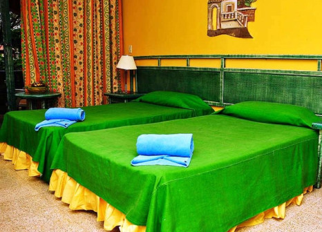 Hotelzimmer mit Minigolf im Hotel Roc Santa Lucia