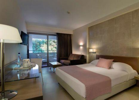 Hotelzimmer im Olympic Palace günstig bei weg.de