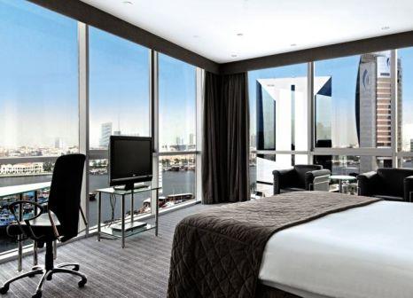 Hotelzimmer mit Tennis im Hilton Dubai Creek