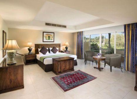 Hotelzimmer mit Volleyball im Al Hamra Village Golf & Beach Resort