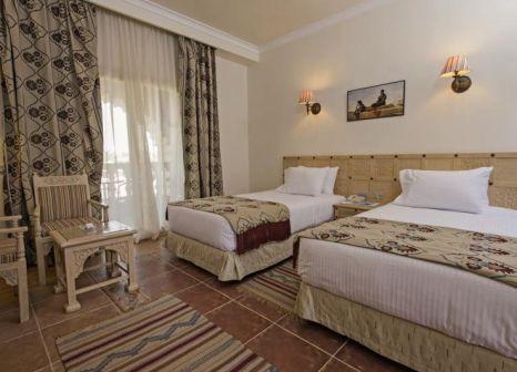 Hotelzimmer mit Volleyball im SENTIDO Mamlouk Palace Resort