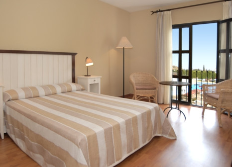 Hotelzimmer mit Mountainbike im Hotel ILUNION Mijas
