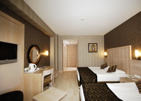 Hotelzimmer mit Volleyball im Sultan Of Side Hotel