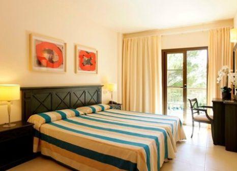 Hotelzimmer mit Mountainbike im Zafiro Park Cala Mesquida