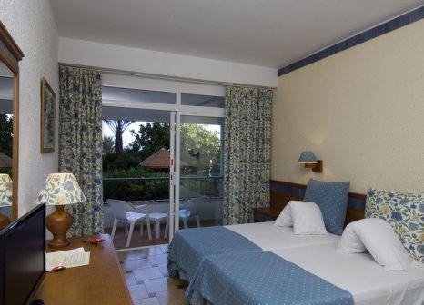 Hotelzimmer mit Mountainbike im Hotel Son Baulo