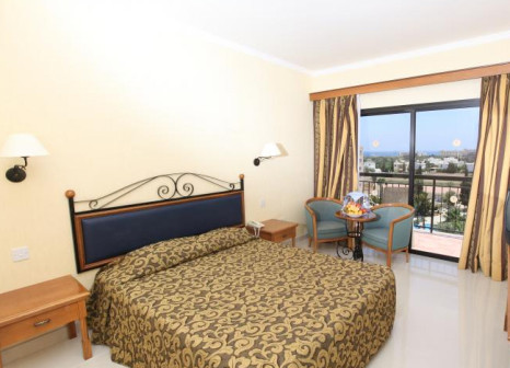 Hotelzimmer mit Tischtennis im Tsokkos Gardens Hotel