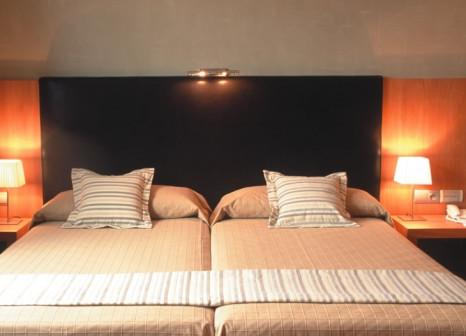 Hotelzimmer mit Pool im Hotel HLG CityPark Sant Just