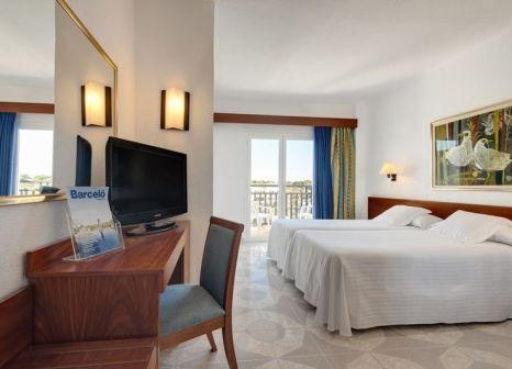 Hotelzimmer mit Mountainbike im Barceló Ponent Playa