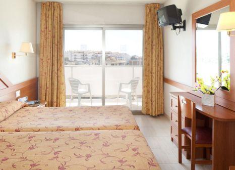 Hotelzimmer mit Tischtennis im htop Royal Star