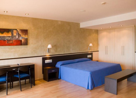 Hotelzimmer mit Tischtennis im Samba