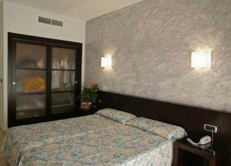 Hotelzimmer mit Mountainbike im HTOP Palm Beach