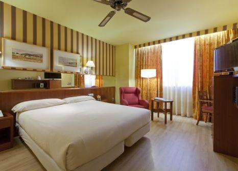 Hotelzimmer mit Pool im Senator Castellana Hotel
