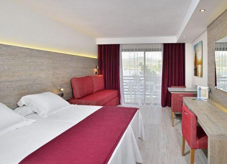 Hotelzimmer mit Mountainbike im Alua Palmanova Bay