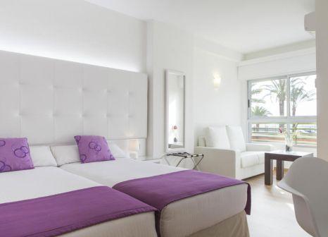 Hotelzimmer mit Mountainbike im Hotel Albahía