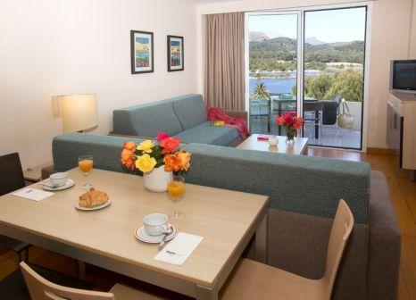 Hotelzimmer mit Mountainbike im Ivory Playa