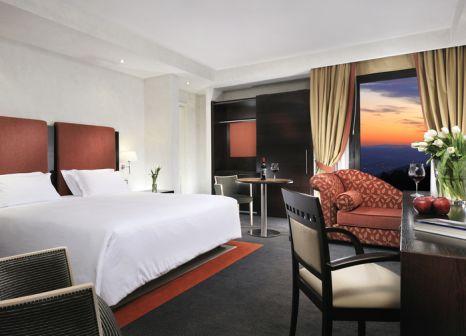 Hotelzimmer mit Mountainbike im Demidoff Country Resort