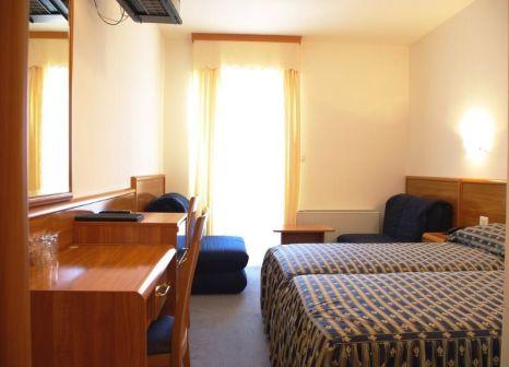 Hotelzimmer mit Tennis im Villa Letan