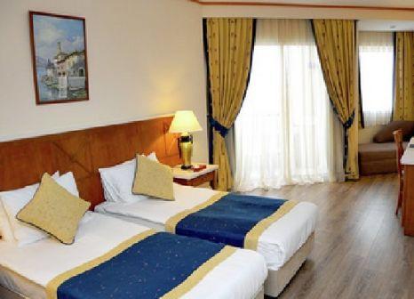 Hotelzimmer mit Volleyball im Kilikya Resort Camyuva