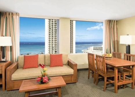 Hotelzimmer mit Pool im Aqua Pacific Monarch