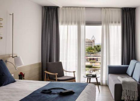 Hotelzimmer mit Mountainbike im Aqua Hotel Onabrava & Spa