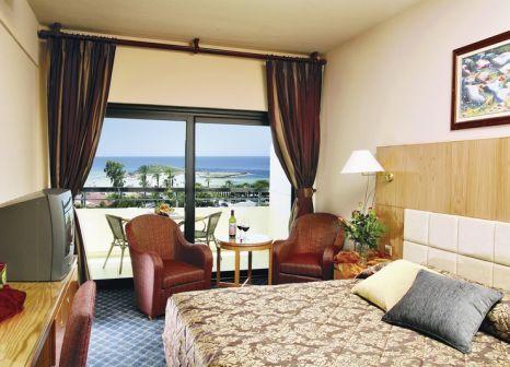 Hotelzimmer mit Mountainbike im Adams Beach Hotel