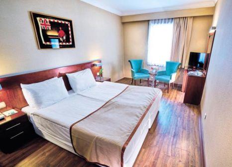 Hotelzimmer mit Geschäfte im Feronya Hotel