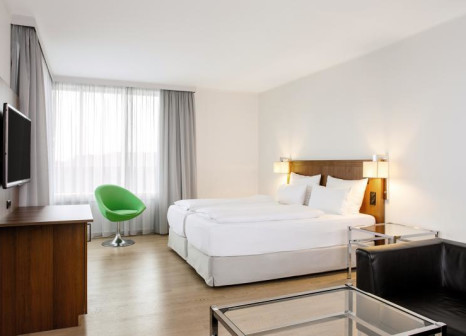 Hotelzimmer mit Golf im NH Hamburg Altona