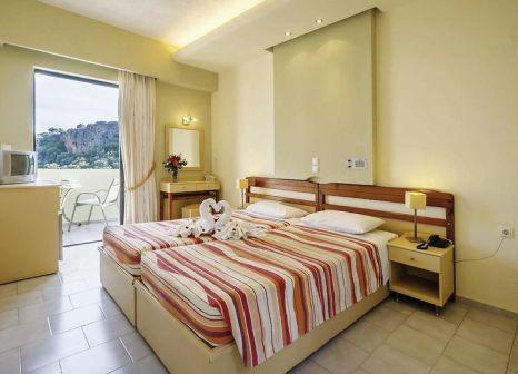 Hotelzimmer mit Supermarkt im Polyrizos (Polyrisos)