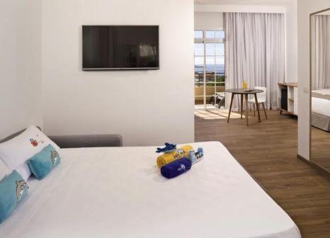 Hotelzimmer mit Mountainbike im Meliá Jardines del Teide