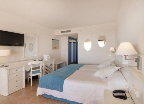 Hotelzimmer mit Mountainbike im Iberostar Playa Gaviotas