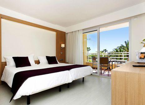 Hotelzimmer mit Yoga im TUI best FAMILY Cala Mandia