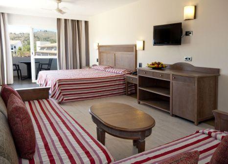 Hotelzimmer mit Volleyball im Beach Club Font de Sa Cala