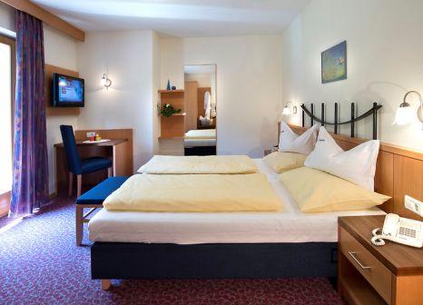 Hotelzimmer mit Tischtennis im Bergblick