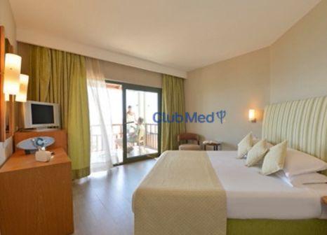 Hotelzimmer mit Mountainbike im Club Med Palmiye