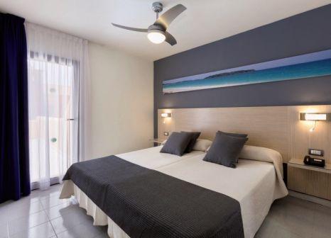 Hotelzimmer mit Mountainbike im Hotel Tagoro Family & Fun