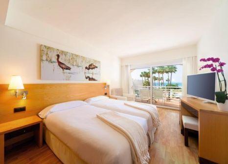 Hotelzimmer mit Mountainbike im Iberostar Royal Andalus