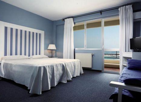 Hotelzimmer mit Tischtennis im Hotel La Barracuda