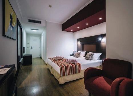Hotelzimmer mit Tischtennis im Muthu Raga Madeira Hotel