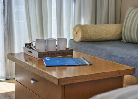Hotelzimmer mit Volleyball im Louis Phaethon Beach