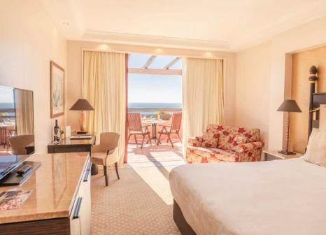 Hotelzimmer mit Mountainbike im Kempinski Bahía