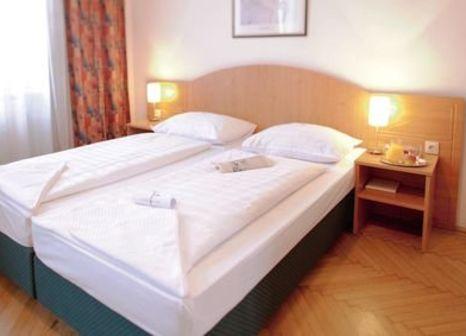 Hotelzimmer mit Golf im Boutique Hotel Donauwalzer