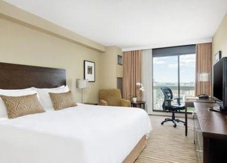 Hotelzimmer mit Tennis im Chelsea Hotel Toronto