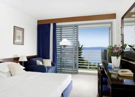 Hotelzimmer mit Minigolf im Bluesun Hotel Maestral