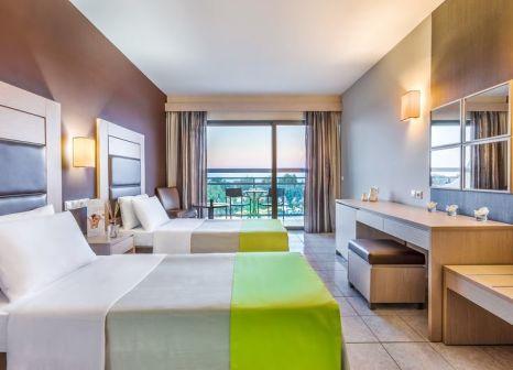 Hotelzimmer mit Volleyball im Kipriotis Hippocrates Hotel