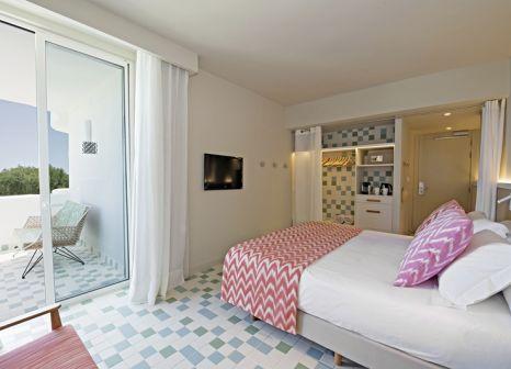 Hotelzimmer mit Volleyball im Inturotel Cala Esmeralda