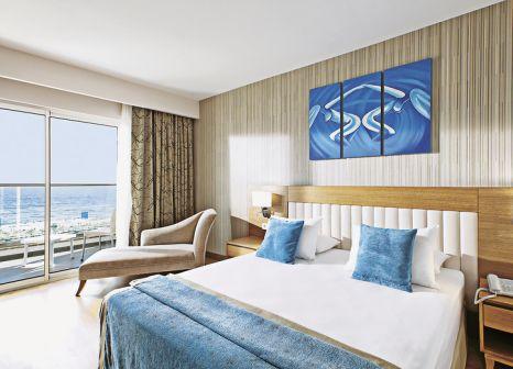 Hotelzimmer mit Volleyball im Adalya Ocean Deluxe