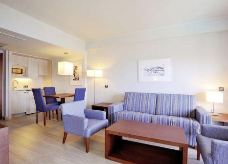 Hotelzimmer mit Mountainbike im Marins Playa Suites