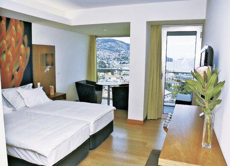Hotelzimmer mit Tennis im Four Views Baía