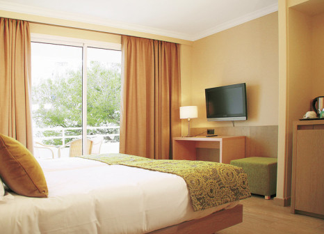 Hotelzimmer mit Volleyball im Hotel Marins Playa